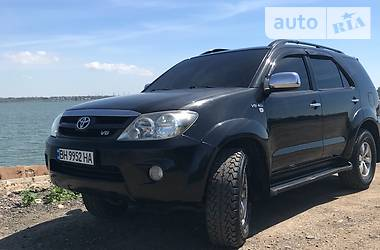Toyota Fortuner SR5 2005