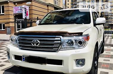 Toyota Land Cruiser 200 2013