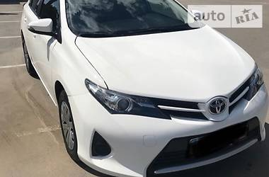 Toyota Auris 1.33 16V Dual VVT-i 2013