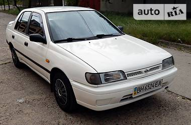 Nissan Sunny n14 1991