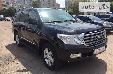 Toyota Land Cruiser 200 V 8 2011