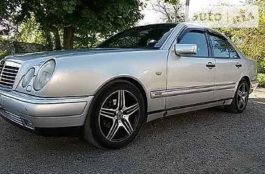 Mercedes-Benz 290 1998