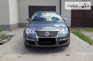 Volkswagen Jetta 1.6 AT 2010