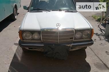 Mercedes-Benz 300 W124 1980