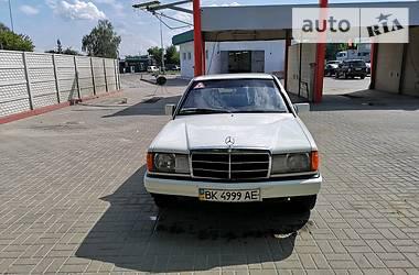 Mercedes-Benz 190 1985