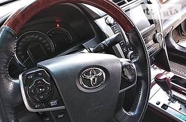 Toyota Camry Люкс. повна комплектація 2013