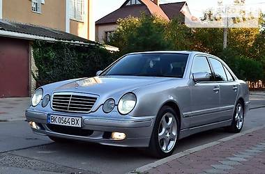 Mercedes-Benz E 320 Avantgarde 2001