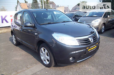 Dacia Sandero 1.2i-75ps 2011