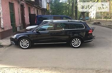 Volkswagen Passat B7 BLUEMOTION HIGHLINE 2012