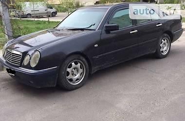Mercedes-Benz 210 1998