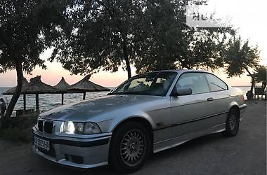 BMW 318 is 1993