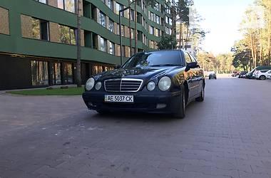 Mercedes-Benz 210 Classic 2001