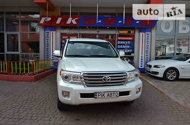 Toyota Land Cruiser 200 D-4D 2013