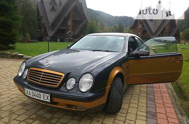 Mercedes-Benz CLK 320 Avantgarde 2001