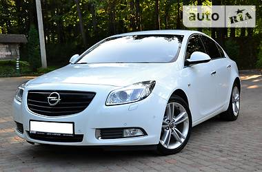 Opel Insignia 4*4 2.0TDI AUTOMAT 2011