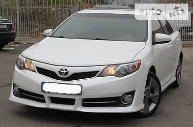 Toyota Camry SE 2012