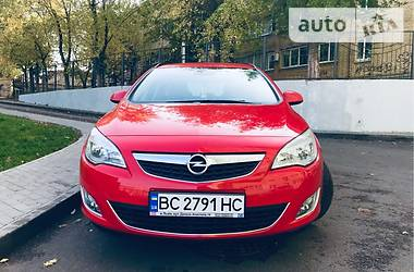 Opel Astra J Automat 2011