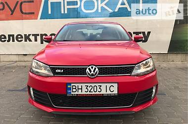 Volkswagen Jetta TURBO(210HP) 2014