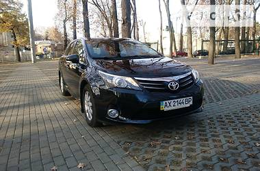 Toyota Avensis OFFICIAL 2012