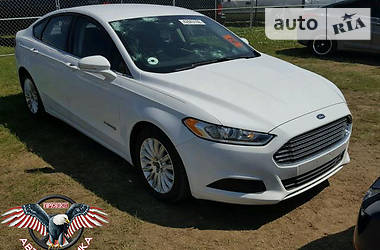 Ford Fusion SE HYBRID 2015