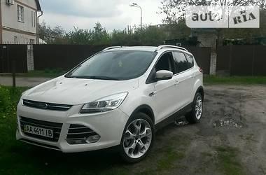 Ford Escape титаниум 4*4 ксенон  2014