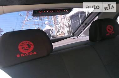 Skoda Octavia машина на повному хо 1998