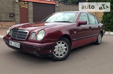 Mercedes-Benz E 220 LUX COMFORT 1999