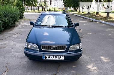 Volvo V40  1999