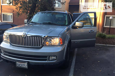 Lincoln Navigator Luxury FWD.  2006