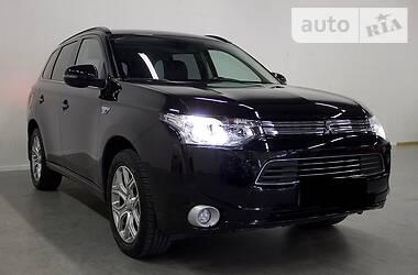 Mitsubishi Outlander  2.0 Hybrid 2014
