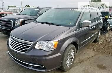 Chrysler Town & Country  2015