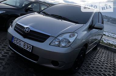 Toyota Corolla Verso  2002