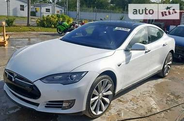 Tesla Model S P85D Performance 2014