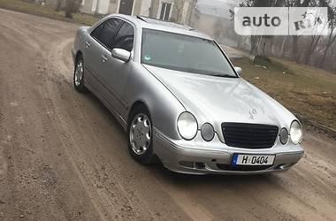 Mercedes-Benz 210  2000