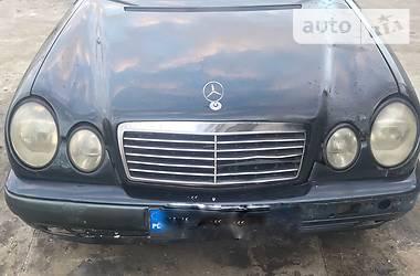 Mercedes-Benz E 300D  1998