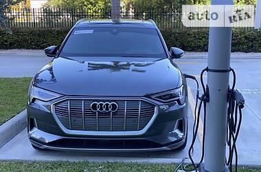 Audi e-tron Prestige 2019