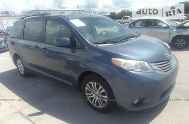 Toyota Sienna XLE 2014