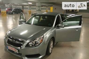 Subaru Legacy Premium 2.5i 2013