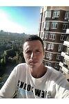 Продавець Сергей Гарновский