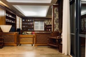 Продається 4-кімнатна квартира 269 кв. м у Дніпрі