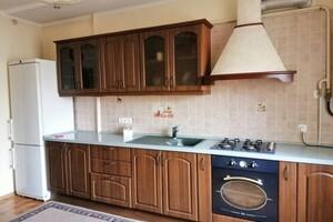 Продается 3-комнатная квартира 102.4 кв. м в Одессе