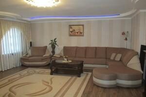 Продається 3-кімнатна квартира 131 кв. м у Олександрії