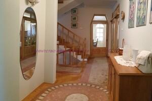 Продается дом на 2 этажа 240 кв. м с мебелью