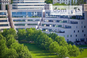 Продается 3-комнатная квартира 235 кв. м в Днепре