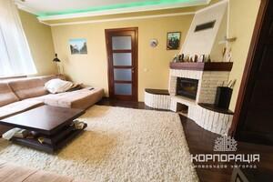 Продается дом на 2 этажа 335 кв. м с террасой