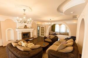 Продається будинок 2 поверховий 497 кв. м з каміном