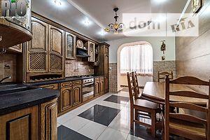 Продается 3-комнатная квартира 93 кв. м в Коломые