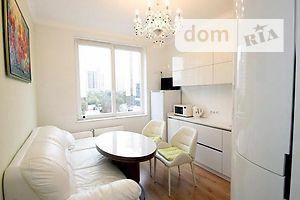 Продается 3-комнатная квартира 82 кв. м в Одессе