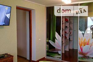 Продается 4-комнатная квартира 82.5 кв. м в Ровно