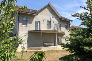 Продається будинок 2 поверховий 380 кв. м з ділянкою